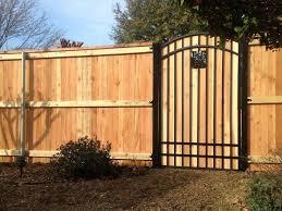 Custom Wood Fences Motorized Gate Gallery Arlington Grand Prairie Tx Dickey S Decks Fencing