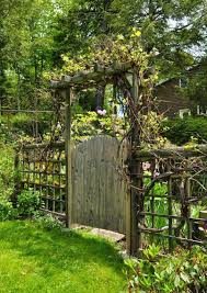10 Rustic Garden Fence Ideas Elegant And Interesting In 2020 Garden Gate Design Cottage Garden Design Garden Gates And Fencing