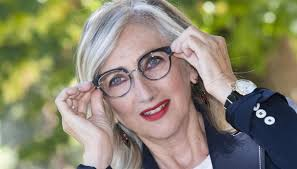 Caterina Balivo, gaffe con Lunetta Savino a Vieni da Me