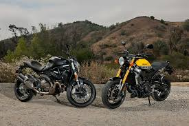 yamaha xsr900 vs ducati monster 821