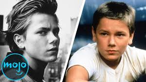 The Tragic Life of River Phoenix - YouTube