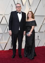 Adam McKay on the Oscars Red Carpet 2019: Oscars Red Carpet ...