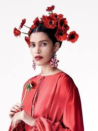 Pin by Esther Kathe on sugarskull | Floral headdress, Photography women,  Fashion show