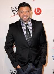 L.A. Times Travel Show: Adam Richman, on eating (even in airports ...