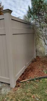Solid Vinyl Privacy Fence In Adobe Color Style Oklahoma With Oklahoma Topper Installed By Skip Ray From Triborofence Vinyl Privacy Fence Vinyl Fence Fence