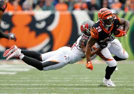 Bucs-Bengals: Penalty on Adarius Taylor costly on Bengals' game-winning  drive