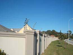 Electric Fencing For The Security Of Your Home And Animals In The Loop