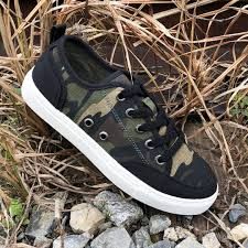 Rack Room Shoes On Twitter Can You Spot The Hot New Shoe In This Picture West Harris Is One Of Our Favorite Rrexclusive Kids Brands And This Camo Sneaker Will Be A