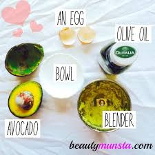 avocado egg and olive oil hair mask