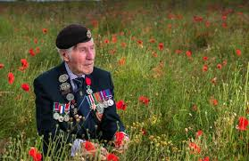 Tributes after death of Ken Smith - one of York's last Normandy ...