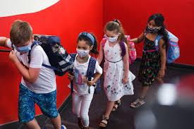 Şcoala în pandemie, o provocare pentru elevi şi profesori. Propunerile medicului Virgil Musta pentru educaţie în siguranţă