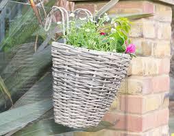 Polyrattan Poly Rattan Fence Railing Hanging Flower Planter Basket With Plastic Liner