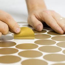 Amazon Com Easy Peel Stick Gold Wall Decal Dots 2 Inch 200 Decals Safe On Walls Paint Metallic Vinyl Polka Dot Decor Round Circle Art Glitter Stickers