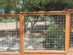 10 Best Hog Wire Fence Design And Ideas For Your Backyard In 2020 Hog Wire Fence Wire Fence Dog Fence