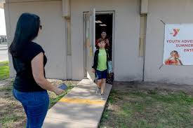 Victoria child care centers struggle ...