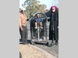 Dustbin diggers given dignity - Krugersdorp News