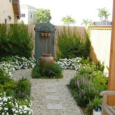 75 Beautiful Side Yard Landscaping Pictures Ideas November 2020 Houzz