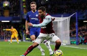 Leeds United not pursuing move for former starlet Aaron Lennon | GiveMeSport
