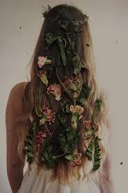 Pin de Ivy Greene em All Hallow's Eve | Hair hair, Ideias de penteado,  Ideias para selfie