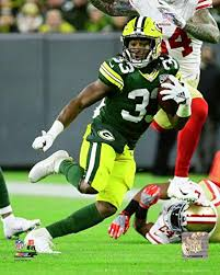 "Amazon.com: Aaron Jones Green Bay Packers 2018 Action Photo (11"" x 14""):  Kitchen & Dining"