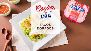 tacos dorados de frijol y panela