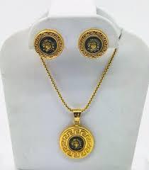 18k yellow gold diamond medusa head