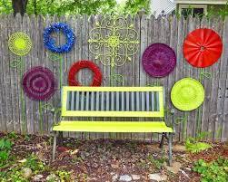 41 Unique Garden Fence Decoration Ideas Home Garden Outdoor Fence Decor Fence Decor Recycled Garden Art