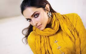 تحميل خلفيات ديبيكا بادكون صورة الأصفر الهندي اللباس التقطت