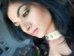 sonam kapoor gold eye makeup look
