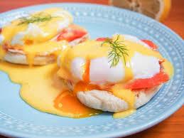 smoked salmon eggs Benedict ...