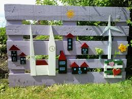 Compost Fence Made From Pallet Wood Pallet Fence Backyard Fences Fence Design