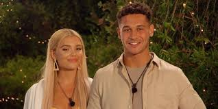 Callum Jones Slams Reports His Relationship With Molly Smith Is On The  Rocks | SPIN1038