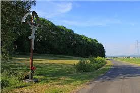 Drugi krzyż przy drodze z Budzowa do Żdanowa – Parafia św ...