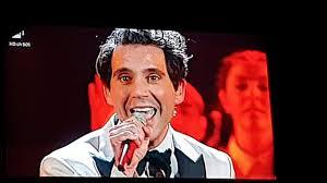 Mika a Sanremo spezzone happy ending - YouTube