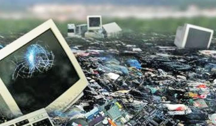 Resultado de imagem para lixo eletronico