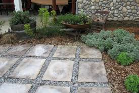 using stepping stones and gravel to