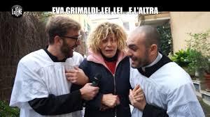 Eva Grimaldi: sua moglie Imma Battaglia a letto con una suora? Lo scherzo  de Le Iene