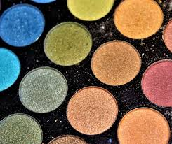you should switch now to organic makeup