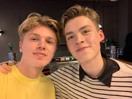 """George Smith on Twitter: """"Met @NewHopeReece from New Hope Club today in  meet and greet, he said he liked my top 😱❤️ I can't wait for the show  tonight!!! X… https://t.co/33ryKqwPmv"""""""