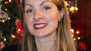 Mixology 101 Bartender Videos - Abigail Snyder (Manhattan, NY) makes a  Cosmopolitan - YouTube