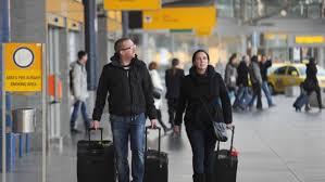 Letecká společnost se musí postarat o cestující, kteří čekají na náhradní  let | iROZHLAS - spolehlivé zprávy