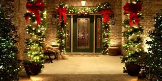The Best Outdoor Christmas Decoration Ideas For Your Front Yard