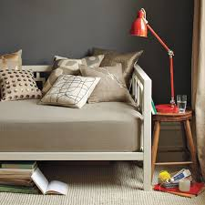 window daybed white