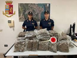 Crotone, sequestrati 20 chili di marijuana - Corriere della Calabria