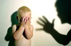 ضرب الطفل يجعله عدوانيًّا في الصغر ومريضًا نفسيًّا في الكبر - للعِلم