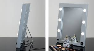 lighted makeup mirror by cantoni
