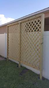 Diy Lattice Privacy Screen Built By 2 Females Multiple Trips To Home Depot Diy Lattice Privacy Screen Privacy Screen Outdoor Lattice Privacy Screen
