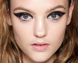 7 daring ways to rock the cat eye look