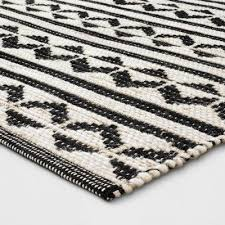geometric woven accent rugs black