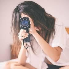 how to take non cheesy boudoir photos